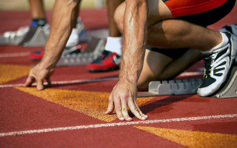 Athlete at starting block, Sprint Burndown charts with Datadeck